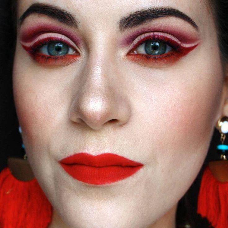 """18 kedvelés, 1 hozzászólás – Nagy Flóra (@makeupartistflora) Instagram-hozzászólása: """"💄🌻🍉🍓summer vibe #makeup #mywork #mua #eyeline #cutcrease #redlips #paprika #purple #red #colorful…"""""""