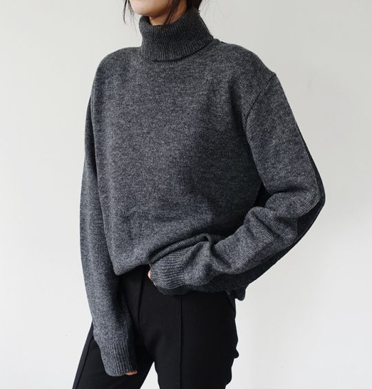 @katepearl Slouchy turtleneck