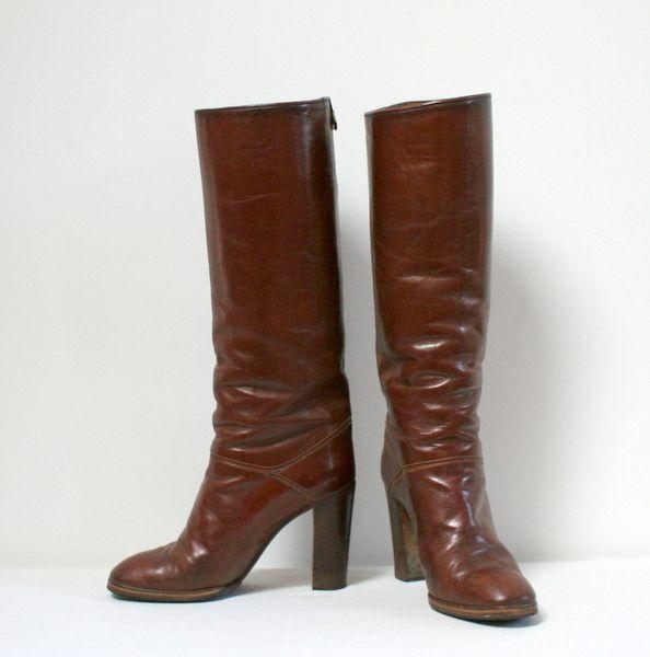 bottes 70 39 50 paire de bottes en cuir vintage marron marque rogers paris style cavali re. Black Bedroom Furniture Sets. Home Design Ideas