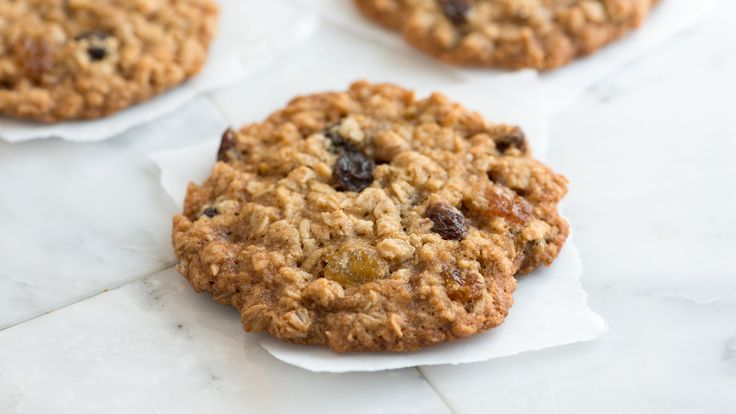 How to Make Oatmeal Cookies - Chewy Oatmeal Cookie Recipe