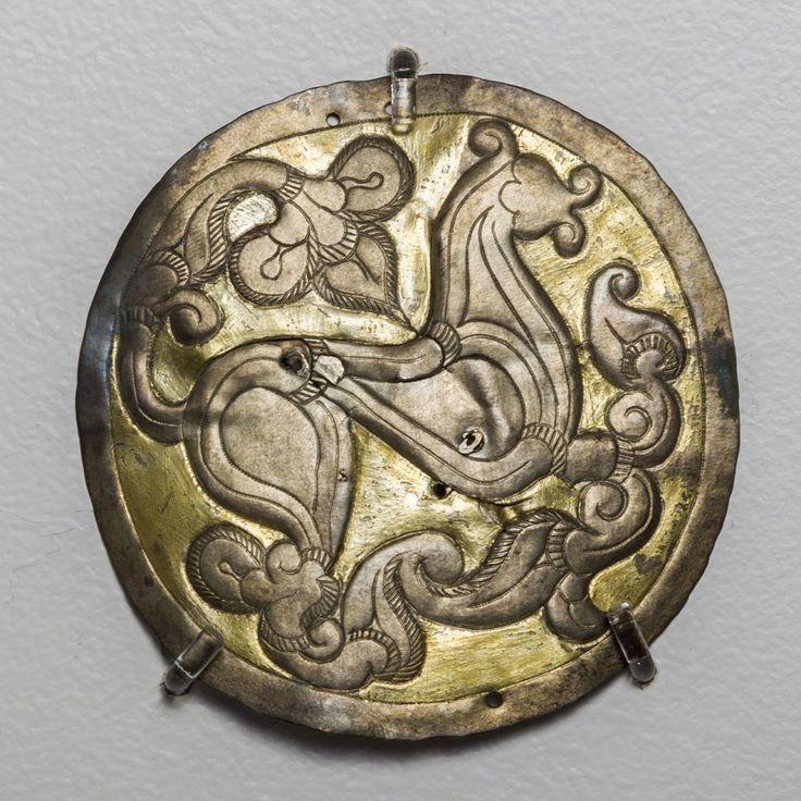Hajfonatkorong a Balatonújlak-Erdő dűlőn feltárt 10. századi sírokból
