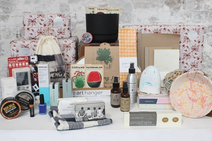 < Great Gifts under $30   Christmas party coming up? Finding special Kris Kringle gifts is hard especially when it's for people you work with or you best friends! Pop into Koskela for a beautiful array of cool secret Santa gifts for under $30.