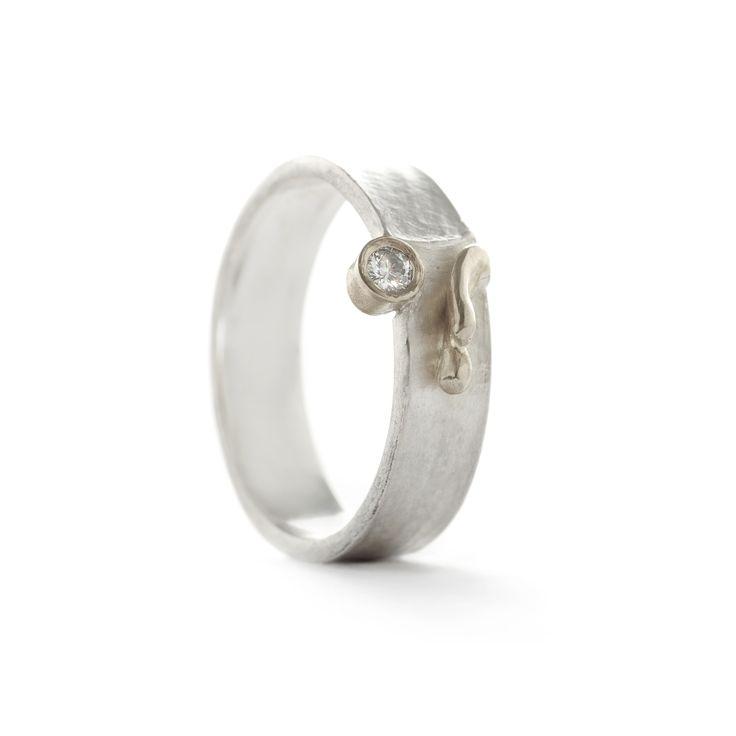 Wim Meeussen : Ring zilver met detail in wit goud
