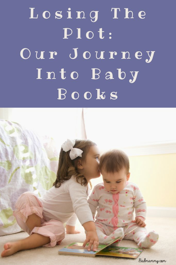 A trip through Baby lit, with Eliott's baby books. Some ideas to add to the library of your little one to get them started.