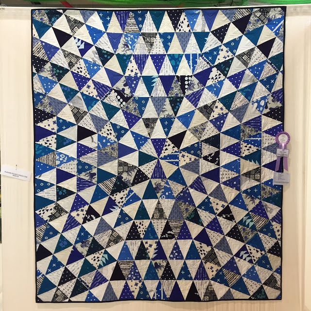 Yesterday I showed you my shopping from the quilt festival, and today I'm going to show some of the quilts that caught my eye. At the end o...