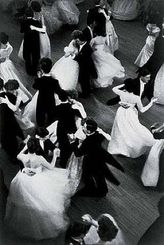 Vintage dance photo. I want to bring back the days when all the classy people knew how to ballroom dance.