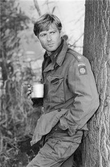 robert redford tomando cafe