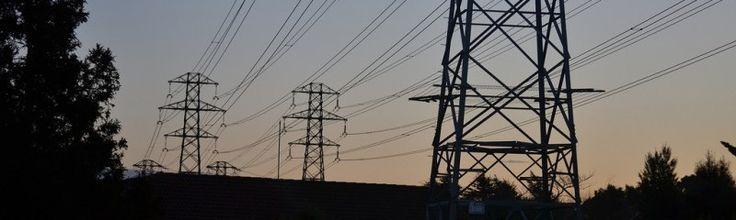 IEA: 25 procent groene elektriciteit in 2018 Van der Hoeven wees ook op de subsidies op fossiele brandstoffen, die 'wereldwijd nog steeds zes keer zo hoog zijn als de subsidies op hernieuwbare energie.' Zo geven Nederlanders jaarlijks €340 uit aan subsidies op fossiele energie, en slechts €95 aan subsidies op hernieuwbare energie.