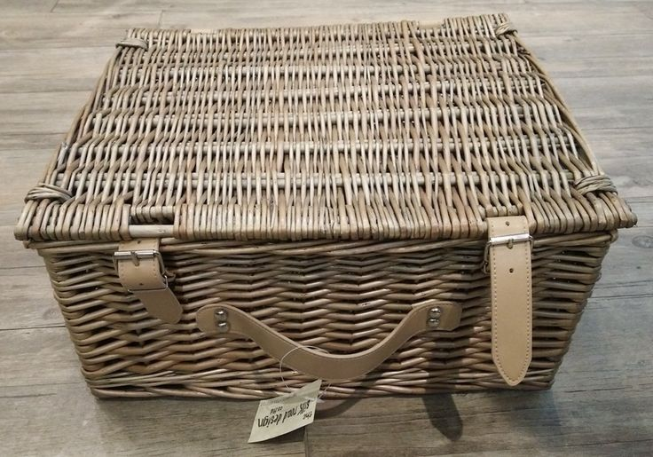 Classic Willow Traditional Empty Wicker Lidded Picnic Storage Hamper With Handle Gift Basket