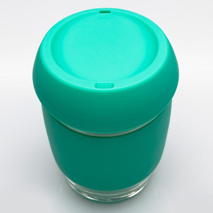 Gobelet réutilisable en verre de couleur verte. En vente sur L'emballage Vert!