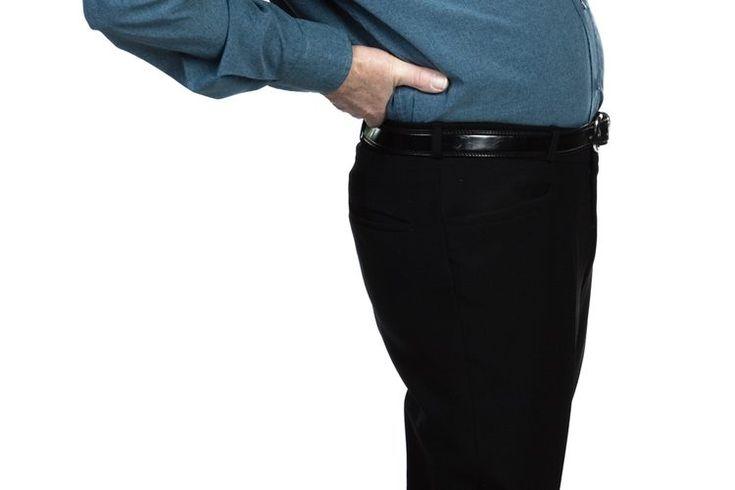 Dolor lumbosacral . El dolor lumbosacral, o lumbalgia, es una molestia común que los pacientes le informan a sus médicos. Aunque muchos problemas de salud la pueden causar, el más común se debe a los músculos o ligamentos. Es más probable que la sufras a mediana edad, si eres mujer, tienes un ...