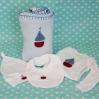 Newborn arrival home outfit for little boys - Cellular blanket with Embroidered boat, matching babygro, bib and beanie