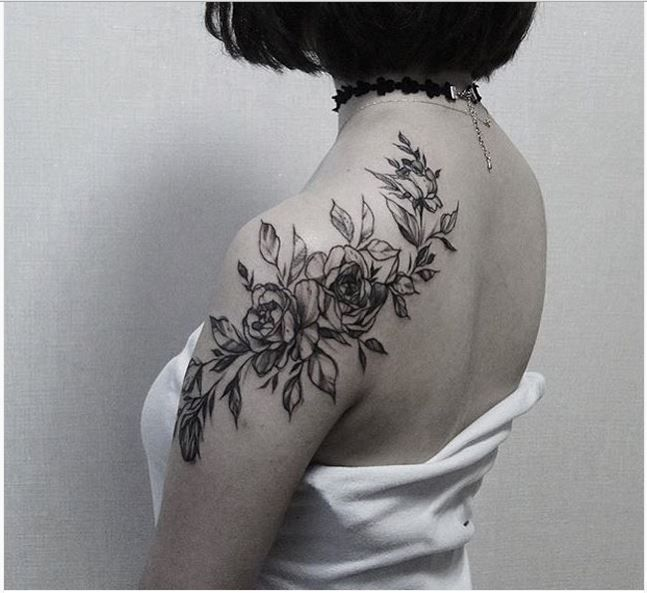 Reindeer Ink tattoo artistzihwa - Hongdae. Seoul. Korea 010 5199 6664 - facebook.com/pocari89
