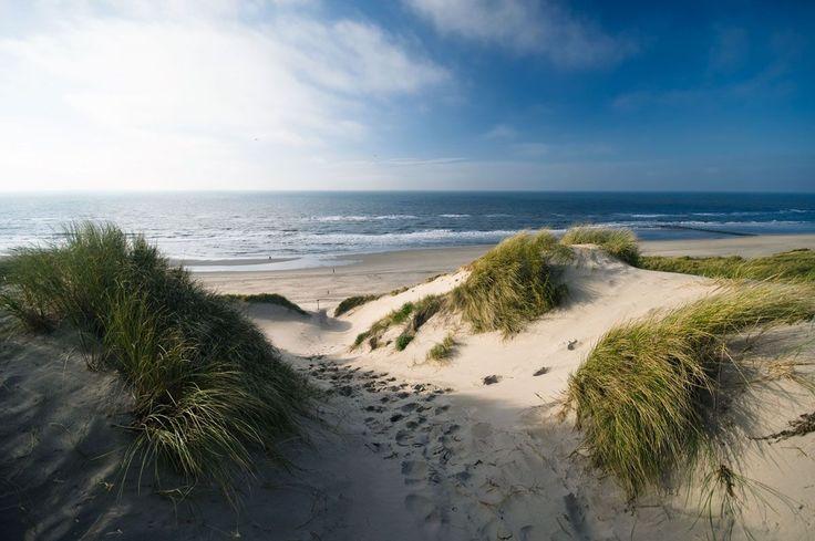 Kijkduin ist ein echter Strandort für Familien mit Aktivitäten für Jung und Alt. Der breite Strand ist flach abfallend und somit ziemlich sicher für die Allerkleinsten. Der Strand von Kijkduin hat eine Blaue Flagge, das ist eine europäische Zertifizierung für … Weiterlesen