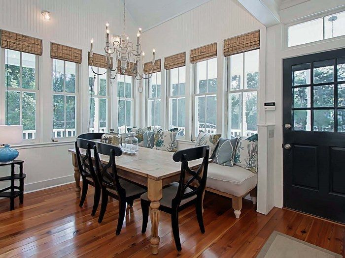 Breakfast nook via A House As Charming As The Victorian Home in the Movie, Practical Magic!
