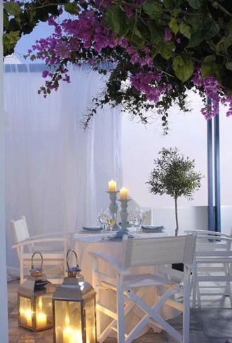 An early dinner on a foggy afternoon... Why not!? This is a lovely idea. Picture for inspiration only.