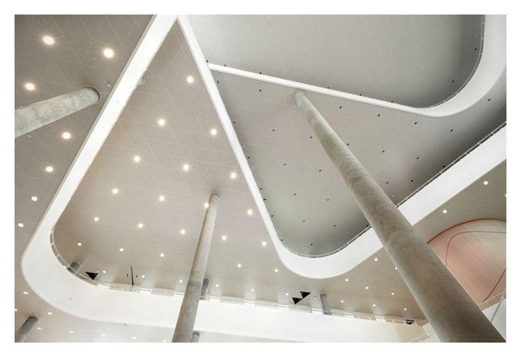 Shifting triangular architecture inside SDU Campus Kolding by Henning Larsen Architects. Photo by Jens Lindhe