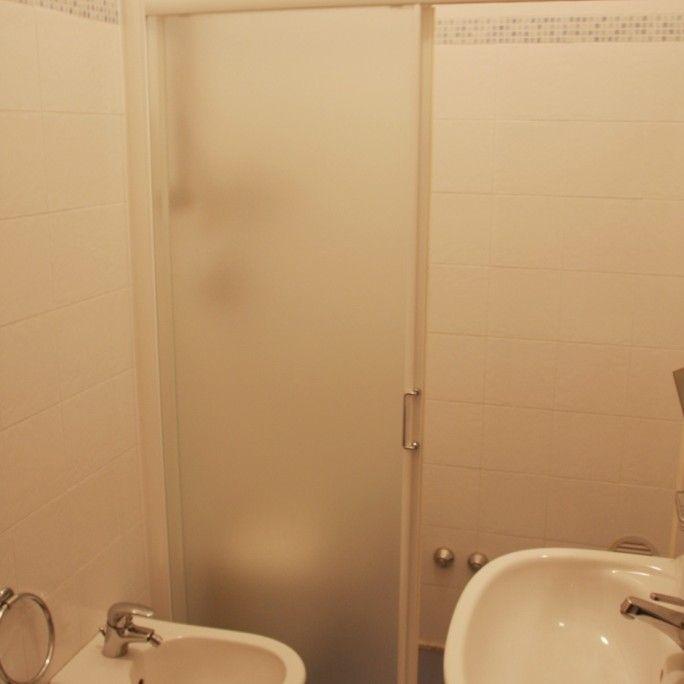 hotel astrid cervia _bagno doccia