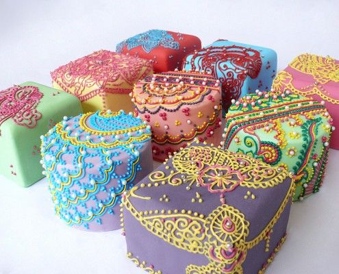 Paisley Mehndi Cake : Best henna mini cakes indian weddings inspirations images on
