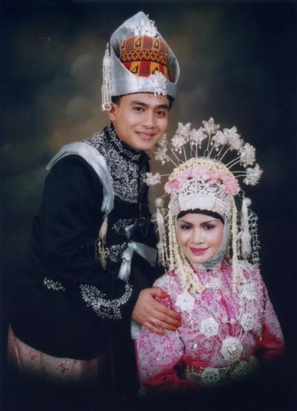 Aceh traditional wedding costume
