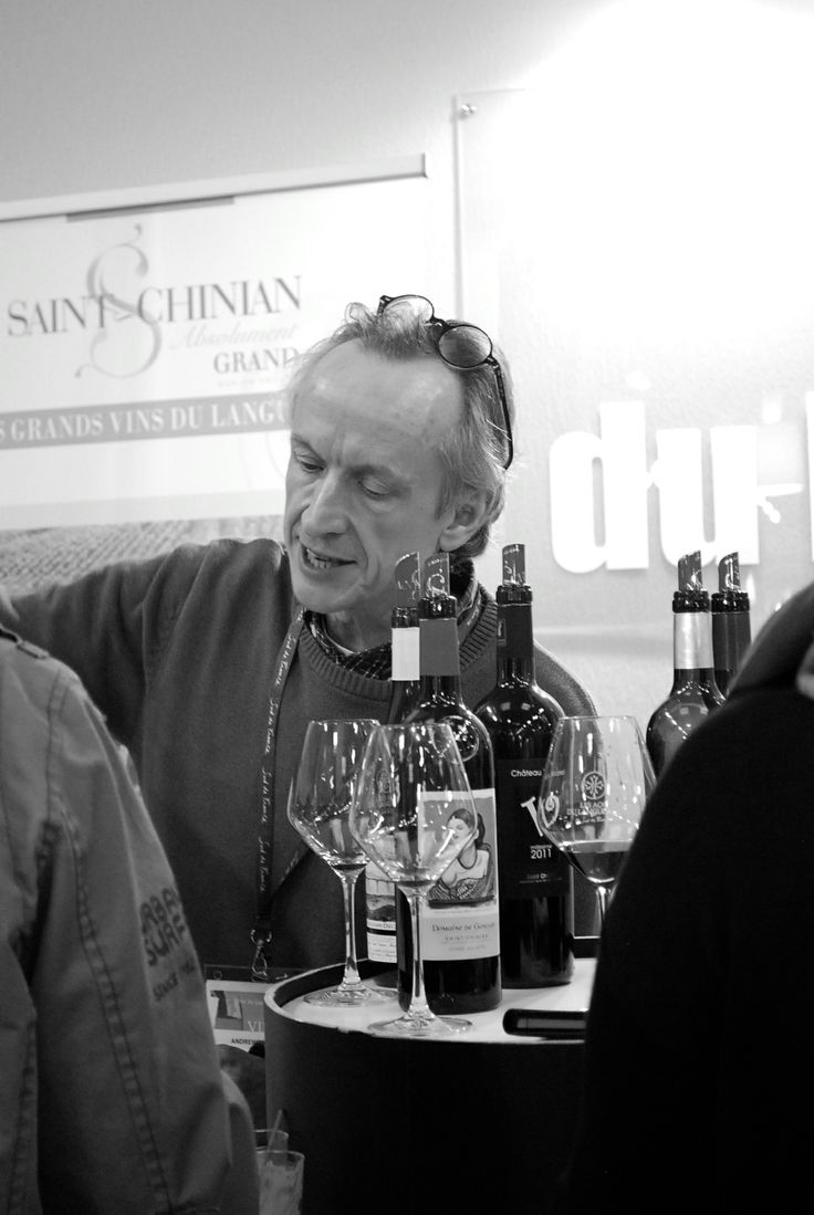 Decanter's Andrew Jefford offering a masterclass of the Great Wines from St Chinian at #Vinisud