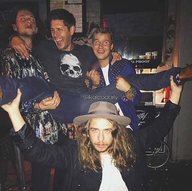 "@JensenAckles last night  @officialkaleo  @kaleodaily ""The guys of Kaleo = Rubin, Danny and Dave havig fun with Jensen last night at their show in Austin"