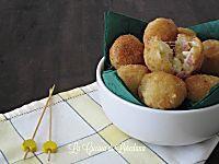 Per la gioia dei piccoli di casa e non solo, ecco delle piccole e deliziose Polpette di pollo al limone, semplice da preparare, cotte in forno o in padella