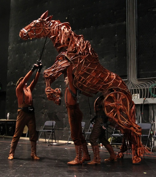 2083 Best Images About Puppetry: 264 Best Images About Giant Puppets On Pinterest