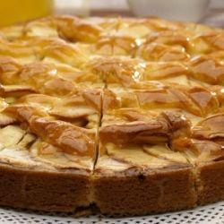 Безумно вкусная шарлотка с яблоками! Крайне простой и быстрый рецепт потрясающей шарлотки! Очень вкусно!