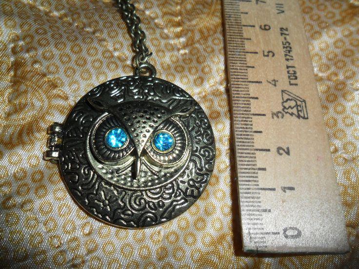 Ожерелье с совой, сова раскрывается, внутри наверное при желании можно вставить фото :)  http://s.click.aliexpress.com/klk/IVz6Vrye