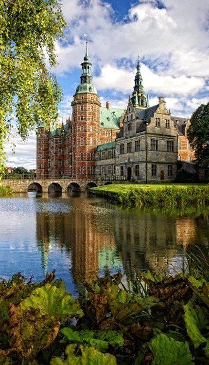 Frederiksborg Castle, Hillerød, Denmark (by mondzijama on Flickr)
