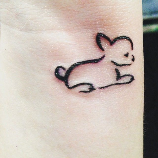 Tiny chihuahua outline