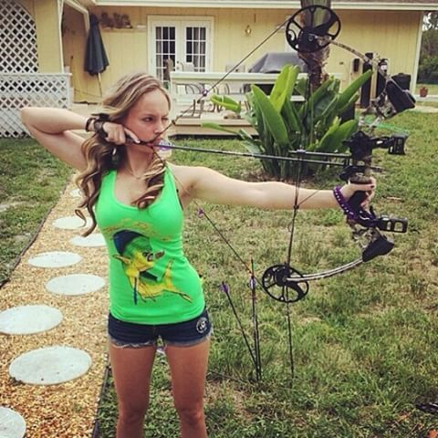 Would sexy deer hunting pic