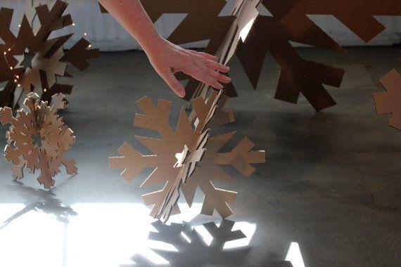 Снежинки из картона своими руками фото