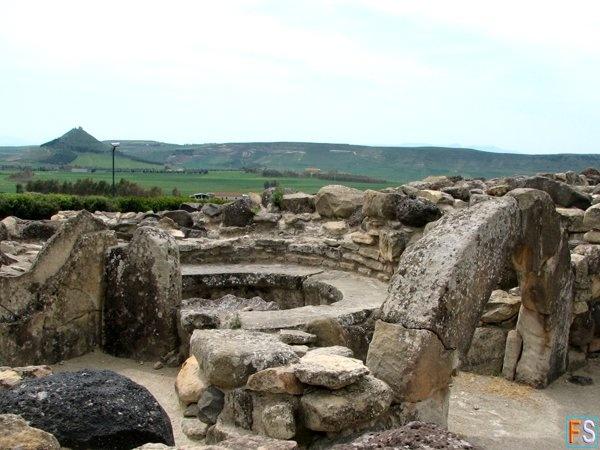 Foto Fabio Porcu 2006 -  Il Nuraghe di Barumini Sito Archeologico