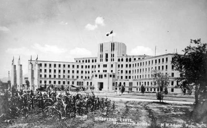 El 4 de octubre de 1943 se inaugura el Hospital Civil, siendo su primer director el Dr. Francisco L. Rocha.