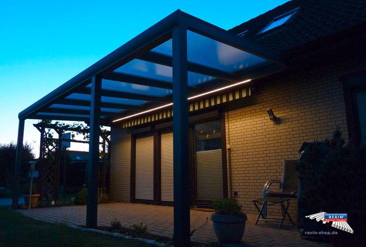 Ein Alu-Terrassendach der Marke REXOpremium mit Stegplatten REXOclear transparent, 6m x 2,5m in anthrazit. Die Montage wurde oberhalb einer bestehenden Markise vorgenommen. Die Pfosten wurden individuell eingerückt.  Ort:Wathlingen.  Alu-Terrassendächer REXOpremium mit Stegplatten erhalten Sie hier: https://www.rexin-shop.de/alu-terrassenueberdachungen/rexopremium-mit-stegplatten/  #Terrassendach #Aluterrassendach #REXOpremium #Stegplatten #Rexin
