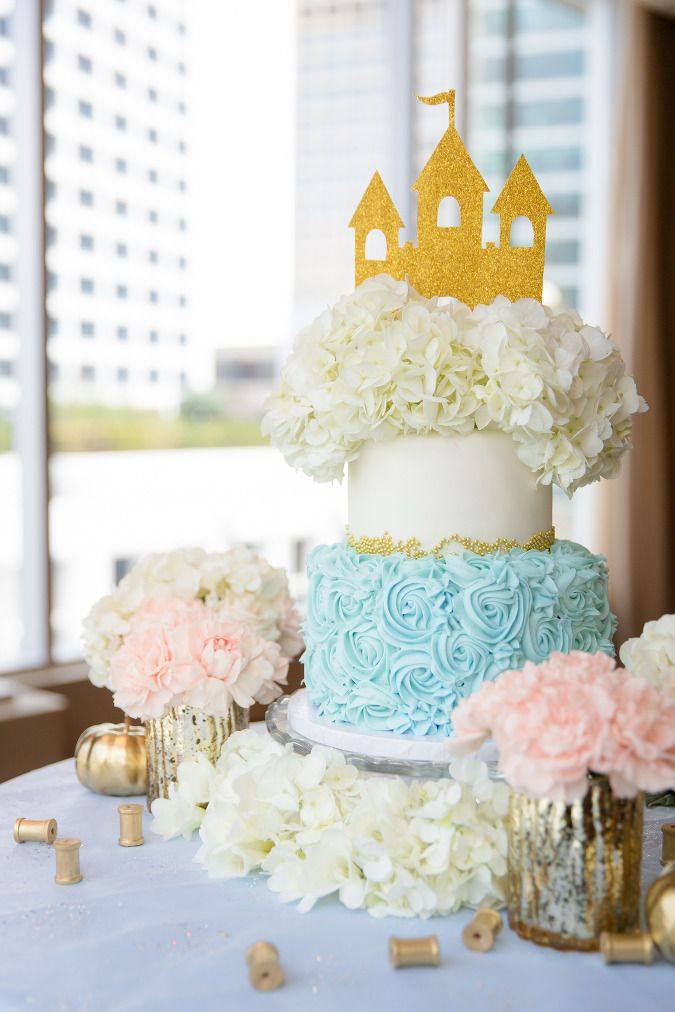 Cinderella inspired wedding cake by Sugarplum Pantry.