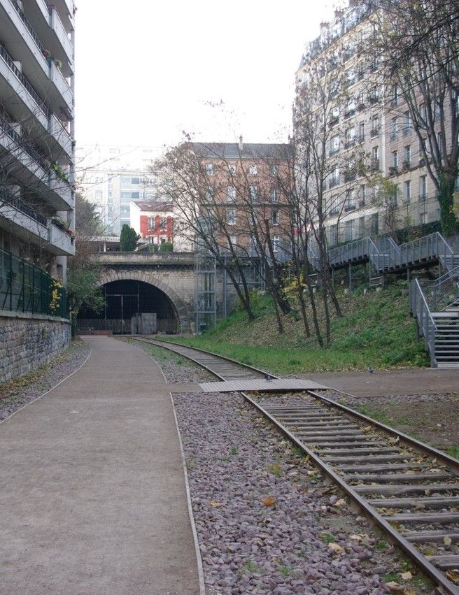 Paris off the beaten track (for French flâneurs): la Petite Ceinture - www.MyFrenchLife.org