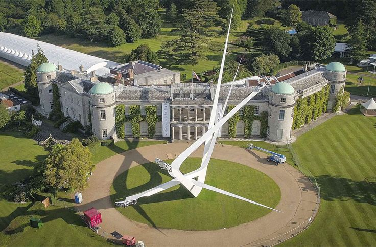 Goodwood Festival of Speed: Photos & Videos by Crate47 – Inspiration Grid | Design Inspiration #photo #photography #photooftheday #art #sculpture #installation #goodwoodfestivalofspeed #motorsports #goodwood #inspirationgrid