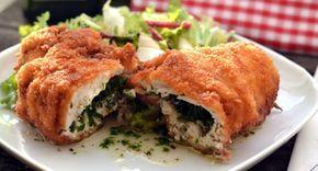 Kijevi csirkemell recept: Klasszikus kijevi csirkemell recept, zöldfűszeres vajjal töltve, rántva. Személyes kedvenc ez a recept, az egész család imádja! :) Próbáld ki te is otthon, ne csak éttermi fogás legyen! ;)