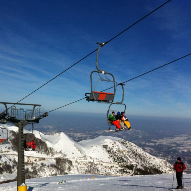 On top of the world skiing in Le Marche.