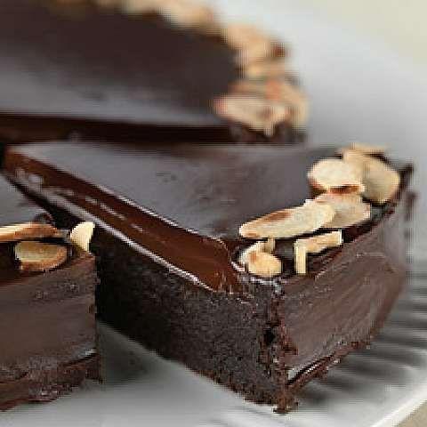 Flourless Chocolate Cake - Minus the nuts and immmmmm innnnnn!!!!!