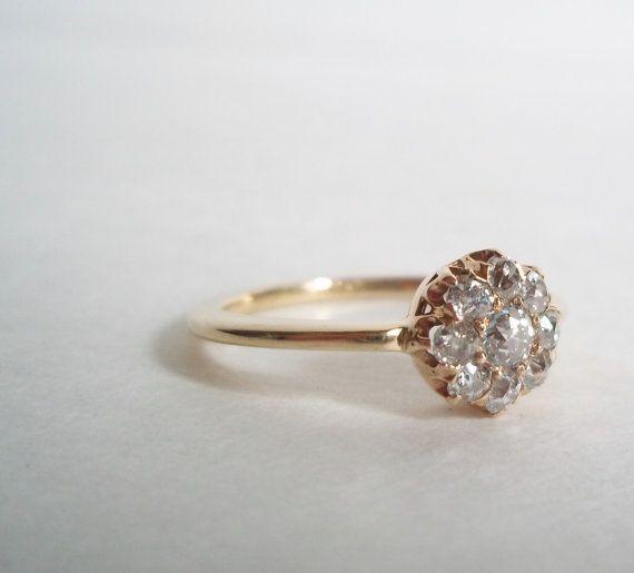 Vintage Diamond Cluster Ring 14K Gold.