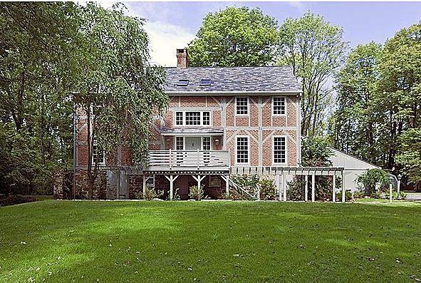 Tulane Barn House exterior:
