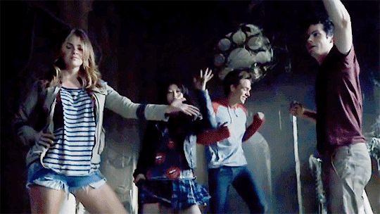 Teen Wolf Season 5 Premieres TODAY!!!!! YAAAAAASSSSSS!!!!!