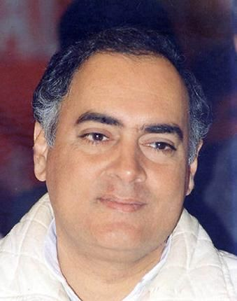 Wikileaks does it again: Rajiv Gandhi was 'entrepreneur' for Swedish jet, U.S. cable says  Much before he became Prime Minister, during his years as an Indian Airlines pilot, Rajiv Gandhi may have been a middleman for the Swedish company Saab-Scania, when it was trying to sell its Viggen fighter aircraft to India in the 1970s.  #india   #wikileaks   #congi   #rajivgandhi