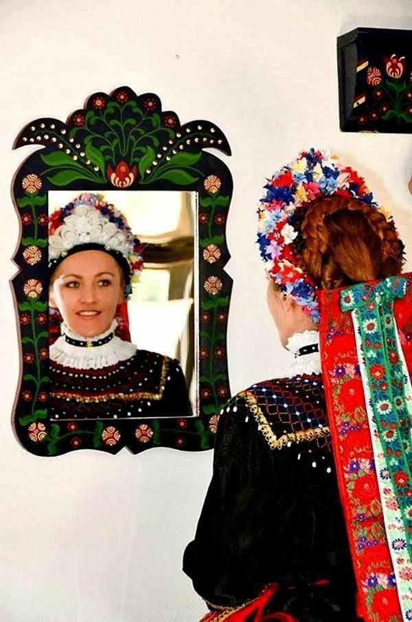 Magyar népviseletek - Sárközi menyasszony pártában - Dunántúl