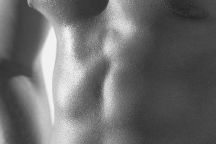 Dolor en los pectorales. Experimentar dolor en los músculos pectorales puede ser aterrador; el malestar y la presión a menudo se confunden con los síntomas de un ataque al corazón. Por supuesto, si sospechas que puedes tener un problema con el corazón, ve a un hospital inmediatamente y realízate ...