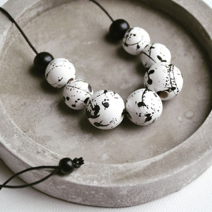 Splatter beaded necklace. Available in your choice of colours.